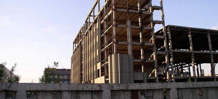 До конца 2017 года недостроев станет меньше на двенадцать жилых домов