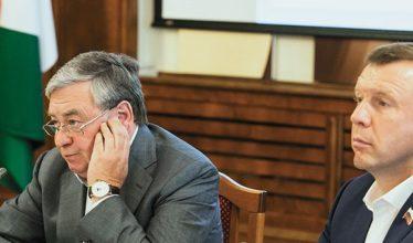 Депутаты заксобрания НСО настоятельно попросили являться на заседания Георгия Жигульского