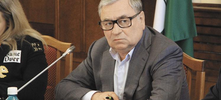 Председатель комитета по строительству, ЖКХ и тарифам ЗС НСО Евгений Покровский