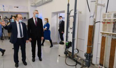 Новосибирский губернатор поручил внедрить Цифру в строительство